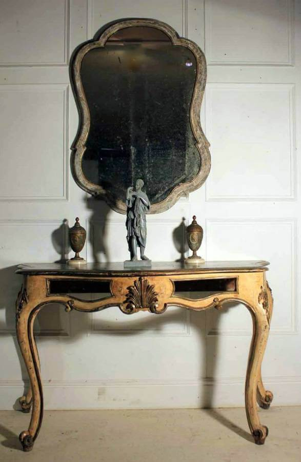 19Th Century Queen Ann Shaped Mirror