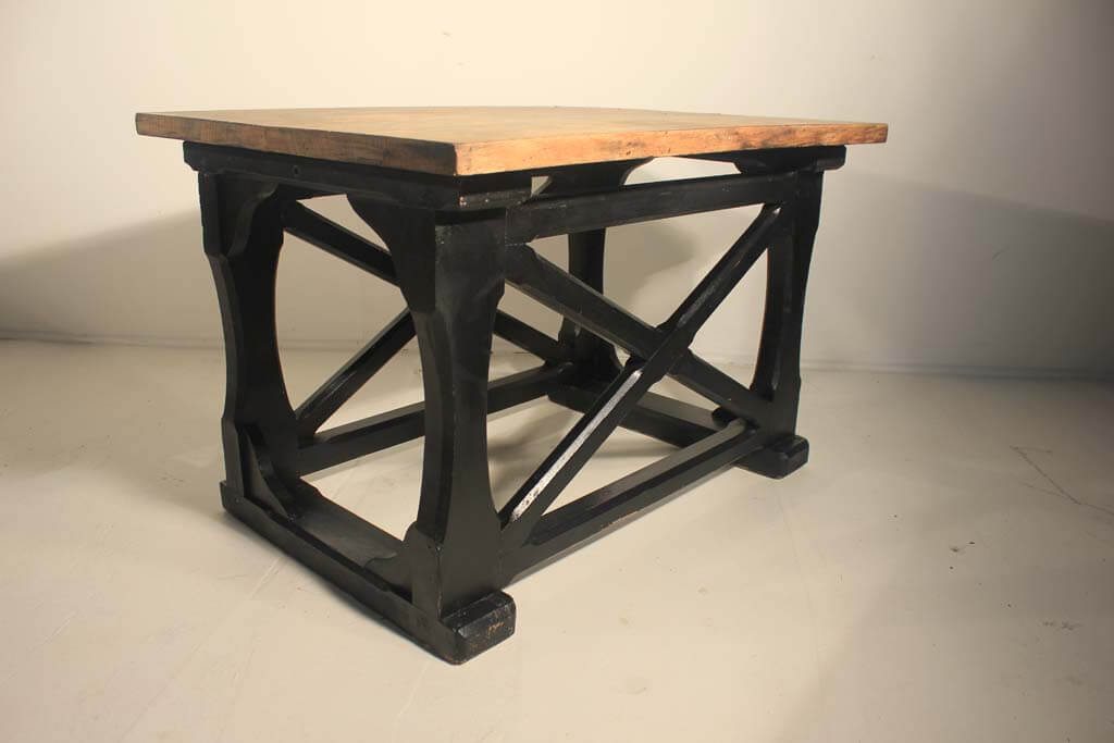 Awesome 19Th Century Artist Sculpting Table