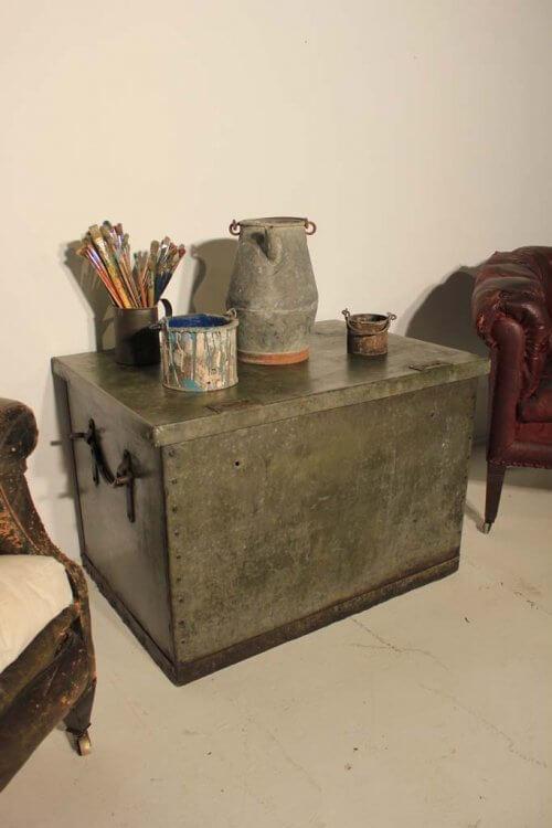 galvanised trunk / box